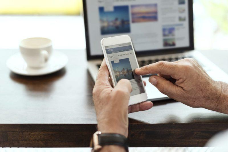 Website e aplicativo móvel